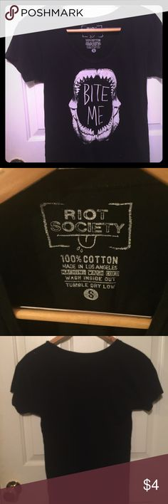 """""""Bite Me"""" Black Tshirt Pre loved black cotton Tshirt from Pacsun. Size small but can fit a medium because it stretches a bit. Super comfy, looks great with shorts and flip flops! riot society Tops Tees - Short Sleeve"""