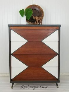 Painted Mid-Century Modern Dressers – House One – Dresser Decor Mcm Furniture, Furniture Makeover, Painted Furniture, Furniture Design, Painted Dressers, Wood Dresser, Furniture Movers, Plywood Furniture, Chair Design
