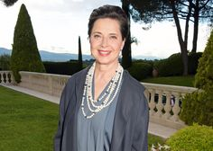 Isabella Rossellini, that icon of fierce femininity, shows us that there are…