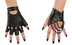 Mal fingerless gloves with chain accents on one glove and open knuckle design. One size fits most children. Box Dimensions (in Inches) Length : 16.00 Width : 13.00 Height : 3.00