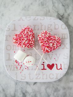 Rice Krispie Valentine Treat || FoodieCrush