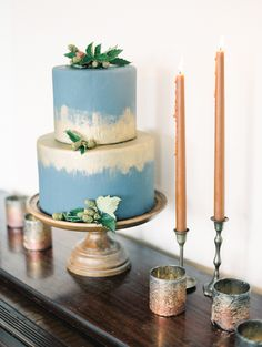 Love this blue and gold watercolour wedding cake