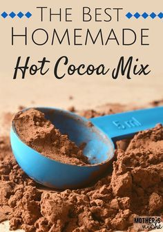 Homemade Hot Cocoa Mix Recipe Homemade hot Cocoa is the ONLY WAY TO GO! It tastes so much better than store bought and is super easy (and cheap) to make! This one is the best! Hot Chocolate Gifts, Christmas Hot Chocolate, Homemade Hot Chocolate, Hot Chocolate Bars, Hot Chocolate Recipes, Chocolate Basket, Homemade Hot Coco, Homemade Dry Mixes, Homemade Spices