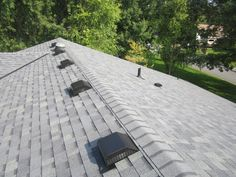 Best Light Colored Shingles Such As This Grey Speckled 640 x 480