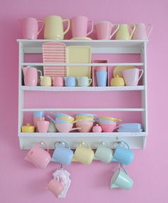 Drool worthy collection and display of pastel kitchenware <3