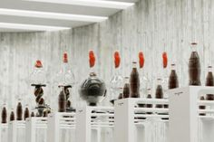 [VIDEO] Iconic Coca-Cola Bottles Morph Shape To Music