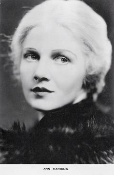 """retrogasm: """" The lovely Ann Harding, star of one of my favorite holiday films It Happened on Fifth Avenue """" Old Hollywood Glamour, Classic Hollywood, Ann Harding, Retro Pictures, Thing 1, Love Photos, Best Actress, New Media, Vintage Beauty"""