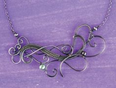 Learn how to make wire jewelry like a pro in this free, exclusive guide on wire jewelry making!