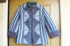 Vintage blue floral quilt // quilted jacket with toggle style buttons medium large