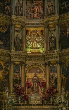 Retablo Mayor Altar Virgen de Guadalupe (Cáceres Extremadura España).