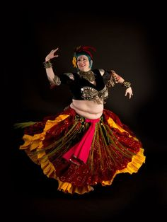 Elinor Crosby, UberWench Tribal Belly Dance (Canada). www.uberwench.ca (plus size belly dance ♥)