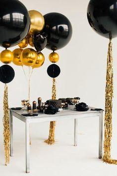 Gold-Orb-Black-Big-Balloon-Garland-Baby-Shower-Party юбилей в 2019 г. 21 Balloons, Giant Balloons, Wedding Balloons, Baby Shower Balloons, Balloon Garland, Balloon Decorations, Balloon Ideas, Baby Balloon, Graduation Decorations