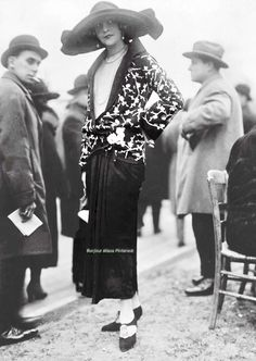 vintage everyday: 50 Fabulous Vintage Photos That Show Women's Street Style from the Fashion by Lanvin 20s Fashion, Art Deco Fashion, Fashion History, Fashion Photo, Vintage Fashion, Womens Fashion, Fashion Outfits, Ladies Fashion, Stylish Outfits