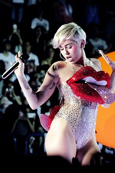 (5) miley cyrus | Tumblr Happy Hippie Foundation, Black Hawk Down, Olly Alexander, Young Female, Hollywood Life, Female Singers, Famous Faces, Miley Cyrus, Pop Fashion