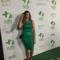 """Australian Sports Illustrated model Robyn Lawley, beautiful """"in green"""" on the green carpet, made by Aquafil's sustainable ECONYL® nylon and manufactured by Milliken, at the Green Pre-Oscar® Party."""