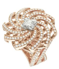 from the Louis Vuitton Voyage dans le temps jewelry collection—perfection in diamonds and rose gold. I Love Jewelry, High Jewelry, Luxury Jewelry, Jewelry Design, Travel Jewelry, Jewelry Box, Jewelry Bracelets, Bijoux Louis Vuitton, Louis Vuitton Handbags