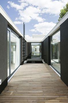 Amado Cattaneo Arquitectos - Casa Nicolai - Portal de Arquitectos Home Projects, My Dream, Beautiful Homes, Bali, House Design, Terraces, Architecture, Wardrobes, Home Decor