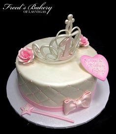 A crown for a #princess! #princesscake