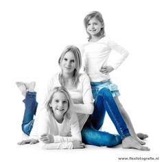 3 zussen zwartwit met blauw