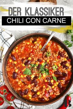 Chili con carne should not be missing at any party – and is always the best choice if you want to serve lots of people with the least possible effort. Low Carb Vegetarian Recipes, Vegetarian Chili, Easy Healthy Recipes, Beef Recipes, Soup Recipes, Dinner Recipes, Clean Eating Vegetarian, Carne Picada, The Best