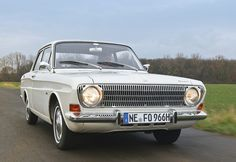 Ford Taunus 12M/15M P6 / 1967 Ford Motor Company, Fiat 600, Ford Capri, Car Ford, Old Cars, Motor Car, Mercury, Vintage Cars, Garage