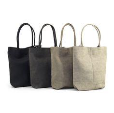 Ze zijn weer binnen! #ZebraTrends shoppers in grijs en zwart. Een passende tas voor de mode bewuste dame. Kom snel kijken op https://tootz.nl/merken/zebra-trends