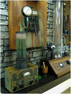 Frankenstein Laboratory Props - amazing props - sounds like you can buy, he custom makes them