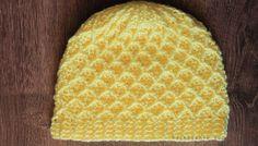 zimna hackovana ciapka Crochet Beanie Hat, Beanie Hats, Knitted Hats, Crochet Hats, Knitting, Fashion, The Creation, Tejidos, Knit Hats