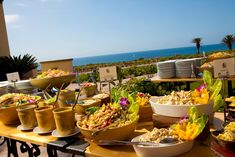 Perfect outside catering presentation. Very tropical