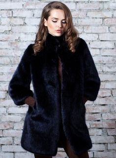 Personalized Charms, Winter Accessories, Female Portrait, Fur Jacket, Faux Fur, Winter Outfits, Winter Fashion, Glamour, Model