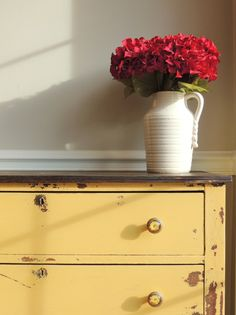 Milk paint | mustard seed yellow | furniture makeover