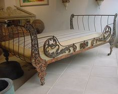 antique iron day bed- LOVE!