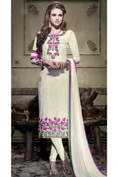 Channel your wardrobe to the latest fashion with this cream color embroidered georgette churidar suit. The lace and resham work appears chic and ideal for any function. Bollywood Outfits, Bollywood Fashion, White Churidar, Ladies Salwar Kameez, Indian Wedding Wear, Designer Salwar Suits, Latest Sarees, Ethnic Dress, Embroidery Suits