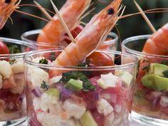 Shrimpscocktail mit Avocado und Tomate ist ein Rezept mit frischen Zutaten aus der Kategorie Garnelen. Probieren Sie dieses und weitere Rezepte von EAT SMARTER!