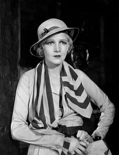 Ann Harding wearing an outfit designed by Gwen Wakeling 1932 Golden Age Of Hollywood, Classic Hollywood, Old Hollywood, Ann Harding, Jean Harlow, Best Actress, The Prestige, New Media, Hollywood Actresses