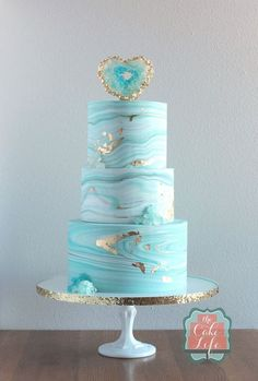 Light Blue Geode Birthday Cake | Geode Cake ideas