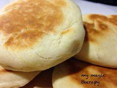 Os presento otra versión de panecillos que yo utilizo mucho para rellenarlos o como sustitutivo del pan. Estos están hechos con qu...