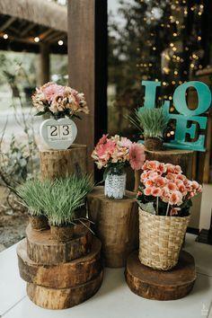 CASAMENTO DE DIA EM BLUMENAU Uma primavera florida, um casamento de dia e ao ar livre, com um ventinho gostoso e um clima agradável. Deu para imaginar? Assim foi o dia da Vanessa e do Mateus, a cerimônia e a festa aconteceram no Bela Vista Country Club. A Vanessa se arrumou na casa da mãe dela, e ao lado mora …