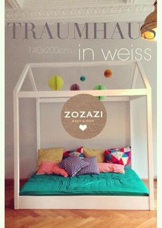 Toddler's bed House