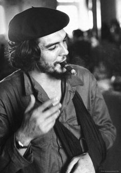 """Cuban Rebel Ernesto """"Che"""" Guevara, Left Arm in a Sling, Talking with Unseen Person People Premium Photographic Print - 30 x 41 cm"""