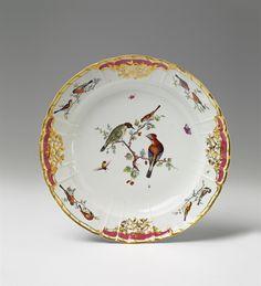 Königliche Porzellanmanufaktur Berlin, 1769.A large Berlin KPM porcelain platter made for Count Rothenburg, Auction 1065 The Berlin Sale, Lot 32 #KPM #porcelain #porzellan
