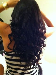 curly long hair.. If only my hair would stay curly like this and NOT a frizz ball