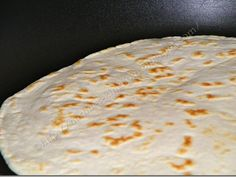 Lipii rapide la tigaie, poza 4 Bread Recipes, Cooking Recipes, Healthy Recipes, Tacos And Burritos, Pita, Just Bake, Biscuit Recipe, What To Cook, Raw Vegan