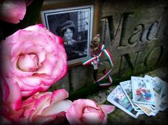 Paris, Pere Lachaise * Tomb of the Mlle Lenormand and Piatnik Lenormnd fortune teller cards * Hungarian Sibyls in Paris, remembering mlle Lenormand, esoteric Tour * www.lenormand.hu