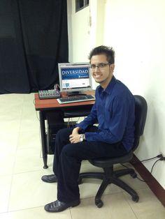 Además de ser estudiante de la carrera de Comunicación, es Youtuber. #RedesSociales #BlogDiversidad #LosMejoresEstudiantes