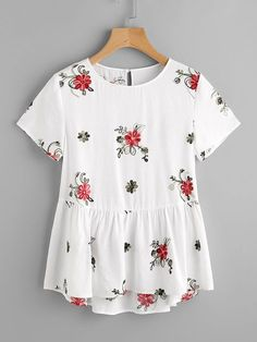 Shop Flower Embroidered Keyhole Back Smock Top online. SheIn offers Flower Embro… Shop Flower Embroidered Keyhole Back Smock Top online. SheIn offers Flower Embroidered Keyhole Back Smock Top & more to fit your fashionable needs. White Shorts Womens, Casual Outfits, Cute Outfits, Mode Style, Dress To Impress, Spring Outfits, Ideias Fashion, What To Wear, Stylish