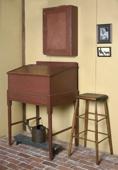 now that's a beautiful piece of furniture Colonial Furniture, Primitive Furniture, Country Furniture, Prim Decor, Country Decor, Primitive Decor, Country Living, Shaker Furniture, Furniture Redo