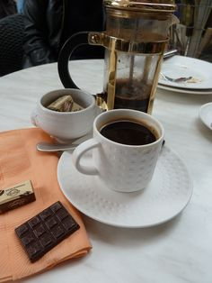 A match made in heaven - black coffee and complimentary dark chocolate!!