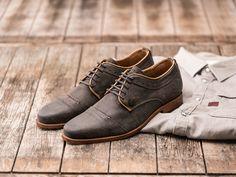 REHAB Luca Suede Smoke #rehabfootwear #neveroutofstyle #suede #uniquedetails #sportyelements #dressy #casual #elegant #trendy