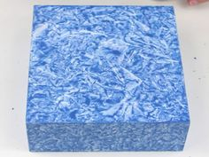 caixa efeito marmore Decoupage Vintage, Decoupage Box, Diy And Crafts, Arts And Crafts, Concrete Projects, Recycling, Decorative Boxes, Quilts, Painting